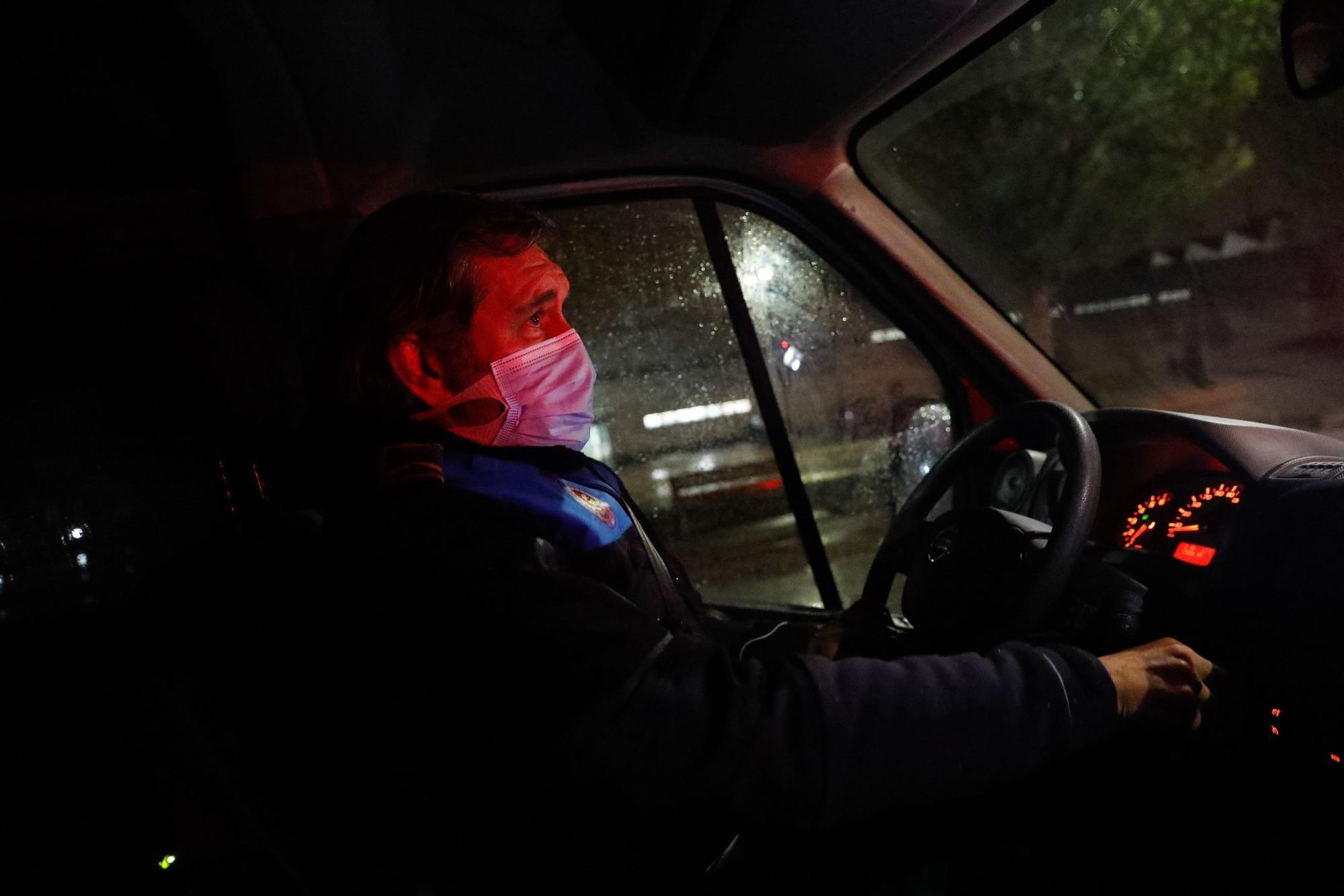 Patrullaje con la Policía Local de Avilés en la primera noche del estado de alarma