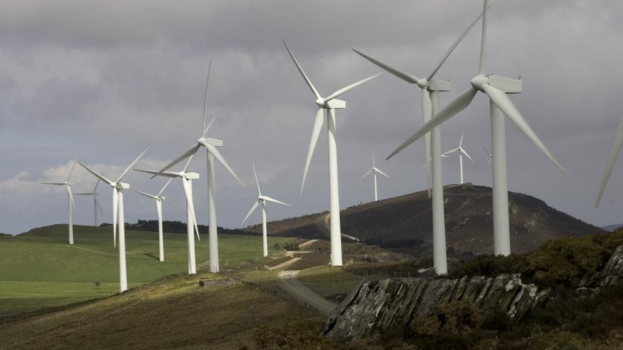 El centro de Asturias podrá acoger parques eólicos con hasta 125 molinos