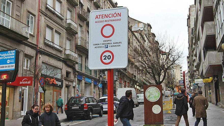 """El dos por uno de Jácome: Siete escaleras mecánicas para """"viajar"""" gratis por la ciudad, y termas de  pago"""
