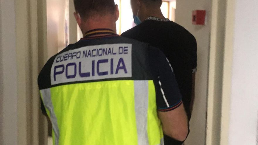 Detenido un joven de 19 años por tres robos en viviendas en Palma
