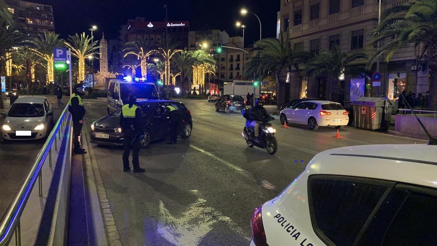 Seis sanciones en Alicante por incumplir el toque de queda y dos fiestas en viviendas desalojadas