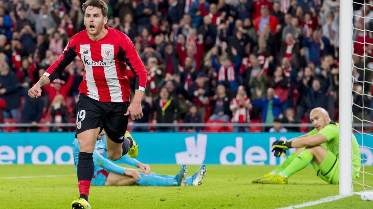 Ibai Gómez celebra un gol en su etapa en el Athletic Club.