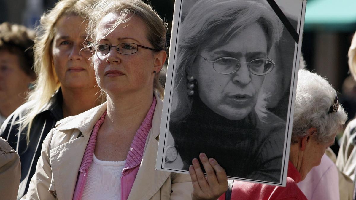Imagen de archivo durante una protesta para exigir justicia por el asesinato de la periodista Anna Politkovskaya.