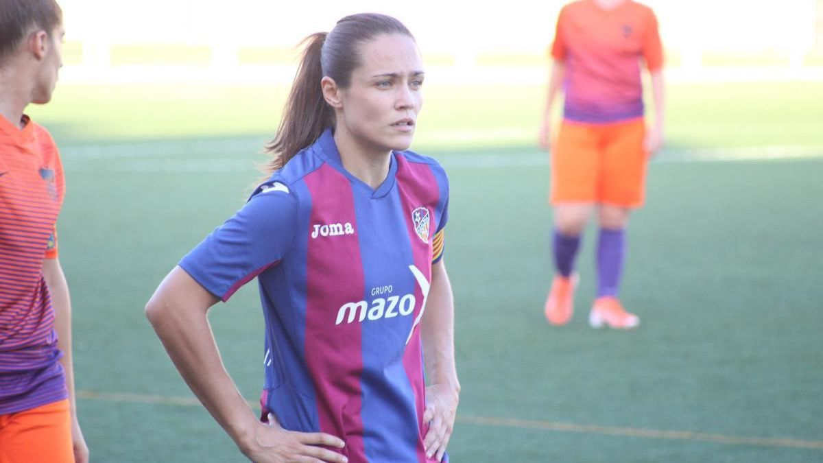 "Paula González: ""A ningún equipo le viene bien este parón"""