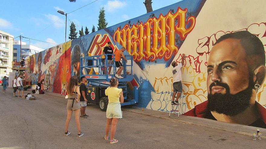 Godella celebra su festival con un mural colectivo