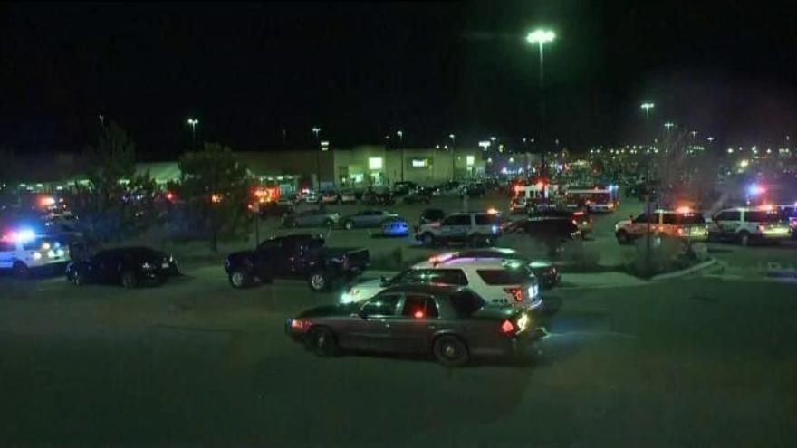 Tres muertos en un tiroteo en un supermercado Walmart de Colorado