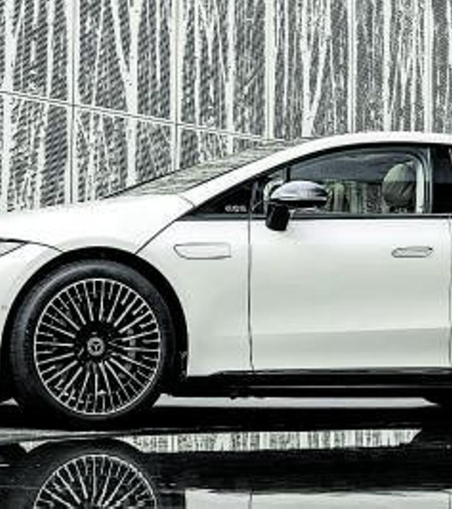 Mercedes-Benz EQS: la berlina eléctrica de lujo llega a Dimovil