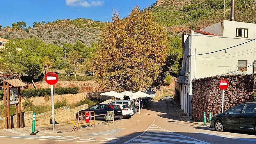 Una asociación de Nàquera presenta 3.000 firmas para reabrir el parking del Pastoret