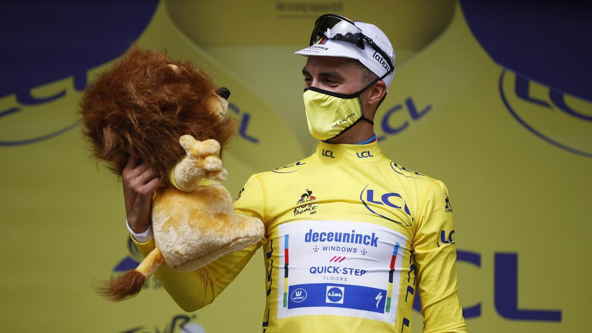 Julian Alaphilippe, primer líder del Tour de Francia 2021.
