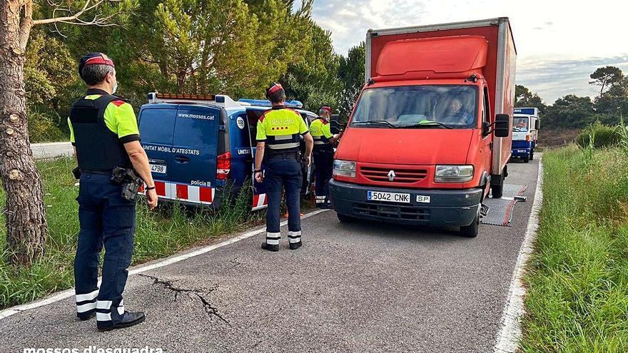 Enxampen nou transportistes amb vehicles sobrecarregats a Llagostera