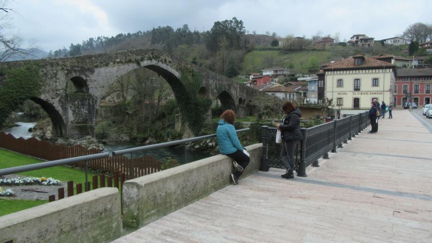 Salud decreta el cierre perimetral de Cangas de Onís, primer municipio que entra en el riesgo extremo y sucumbe a la cuarta ola