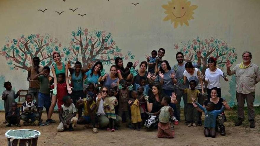 Zamoranos en el mundo: El reto de alimentar la educación