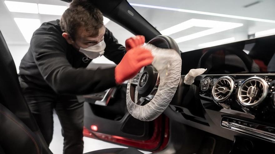 Mercedes-Benz entrega a domicilio vehículos nuevos para garantizar la seguridad