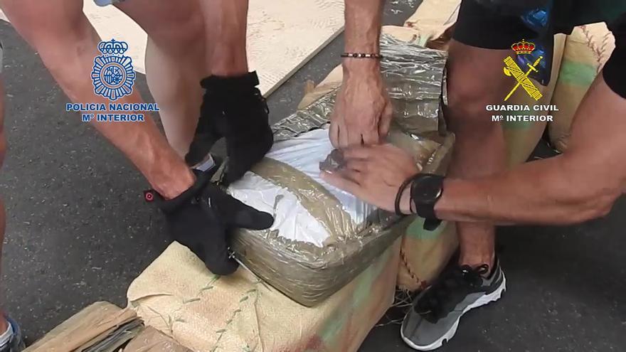 Incautadas cuatro toneladas de hachís a una banda que utilizaba el Puerto de Alicante como vía de entrada