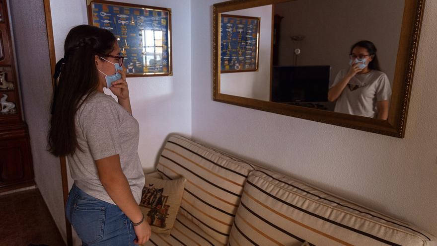 Una joven de San Javier sufre ataques de tos continuos como secuela del coronavirus