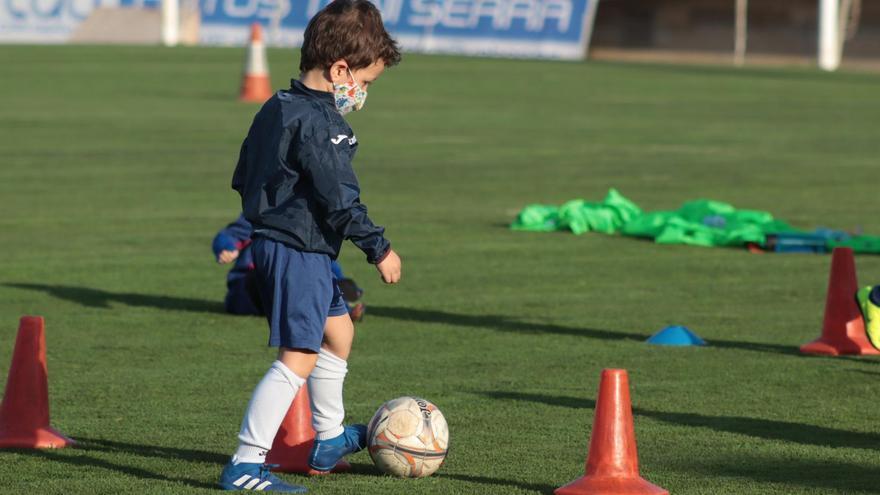Los más pequeños tendrán que seguir entrenando sin contacto