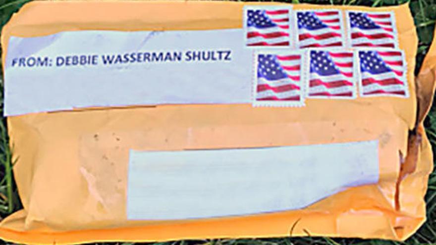 Detingut un home per l'enviament dels paquets explosius a crítics amb Trump