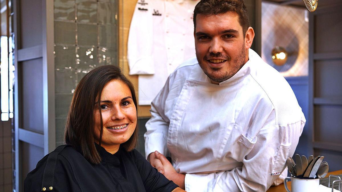 Daniel Moreno, cocinero y Mercedes Piña, jefa de sala de Tragatá.