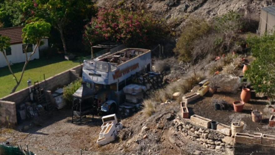 La guagua psicodélica de Paul McCartney aparece abandonada en Tenerife