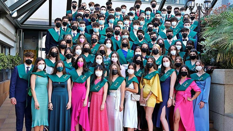 Los graduados del Liceo La Paz y el Zalaeta se despiden de sus institutos