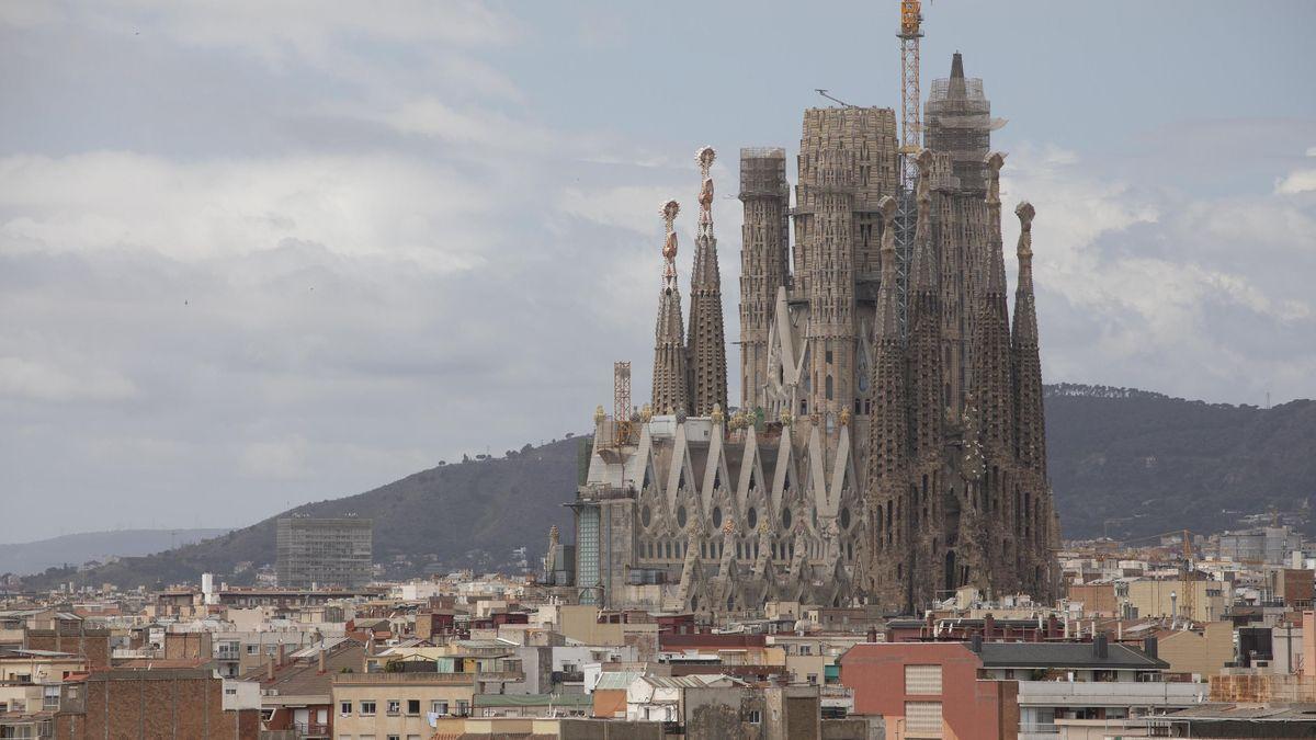 La Sagrada Familia en el mes de mayo.