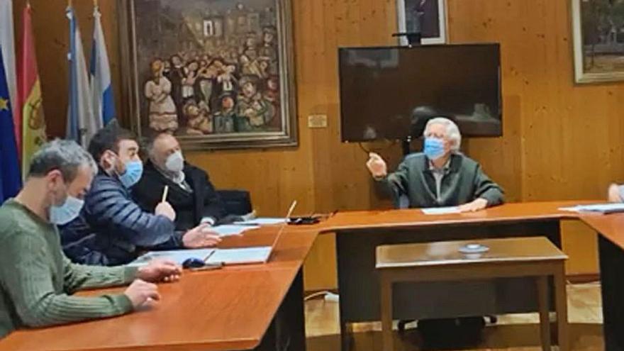 """El alcalde de Mondariz Balneario al portavoz del BNG: """"Usted no sirve para nada"""""""