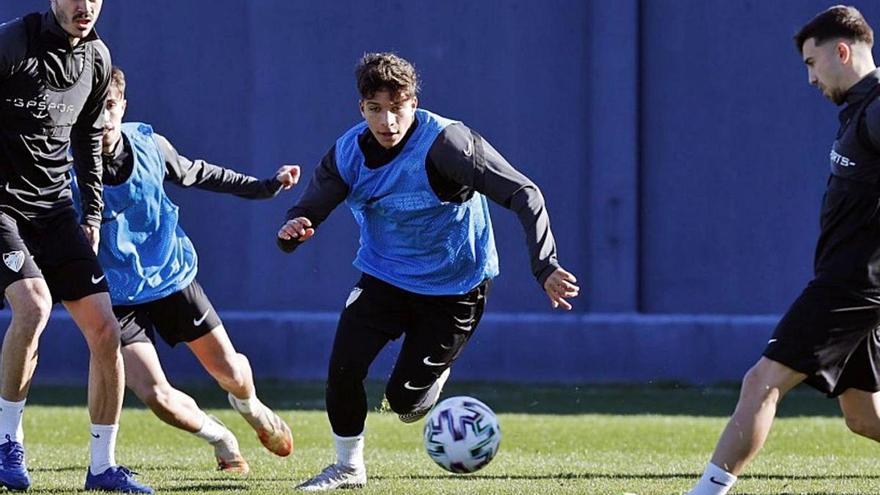 24 futbolistas aúnan esfuerzos para la Copa