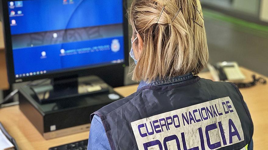 Prisión para una mujer por desvalijar a ancianas en viviendas de Alicante