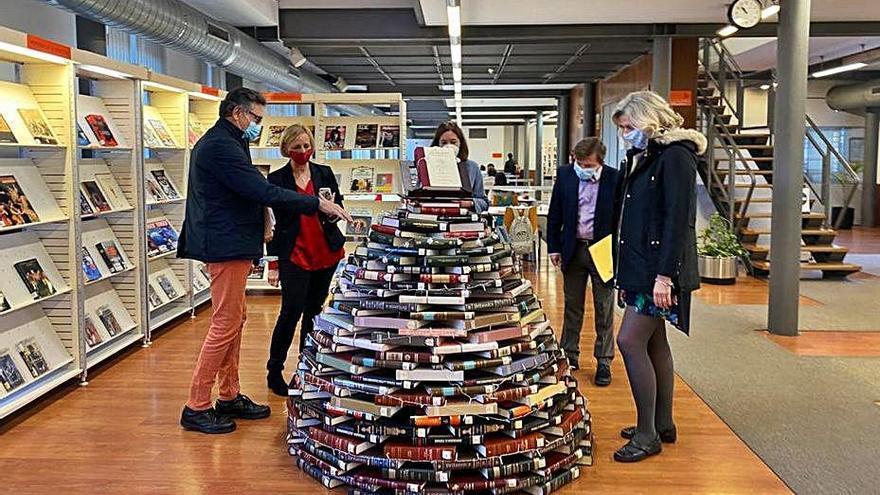 Murcia celebra el Día de las Bibliotecas con expositores en la calle, rastrillo de libros y vídeos divulgativos