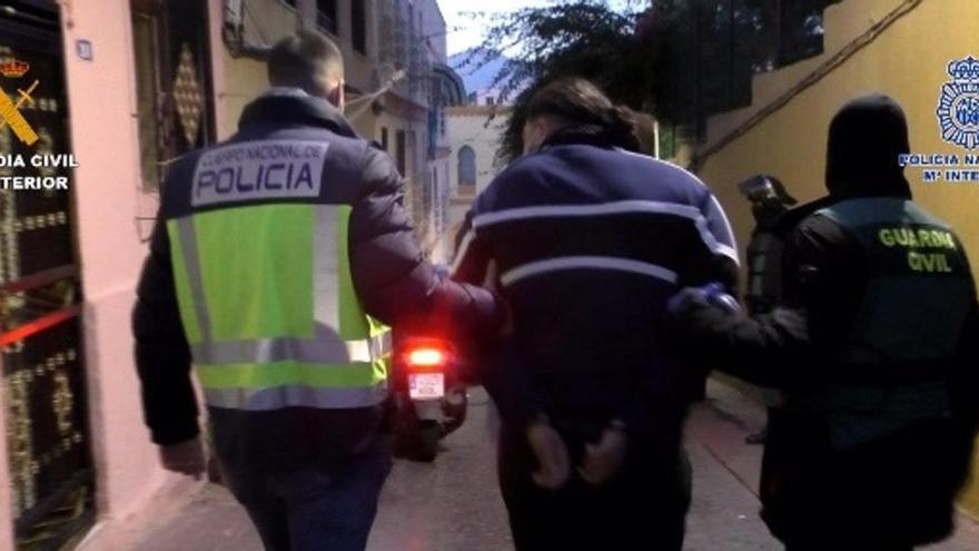Desmantelada una organización criminal que traficaba con drogas y migrantes en Melilla