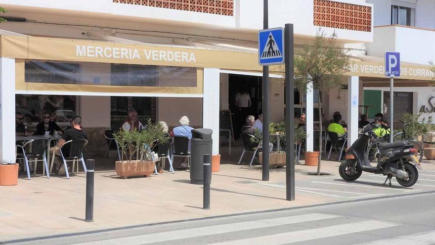 Servicio hasta las 22.30 horas en las terrazas de Formentera