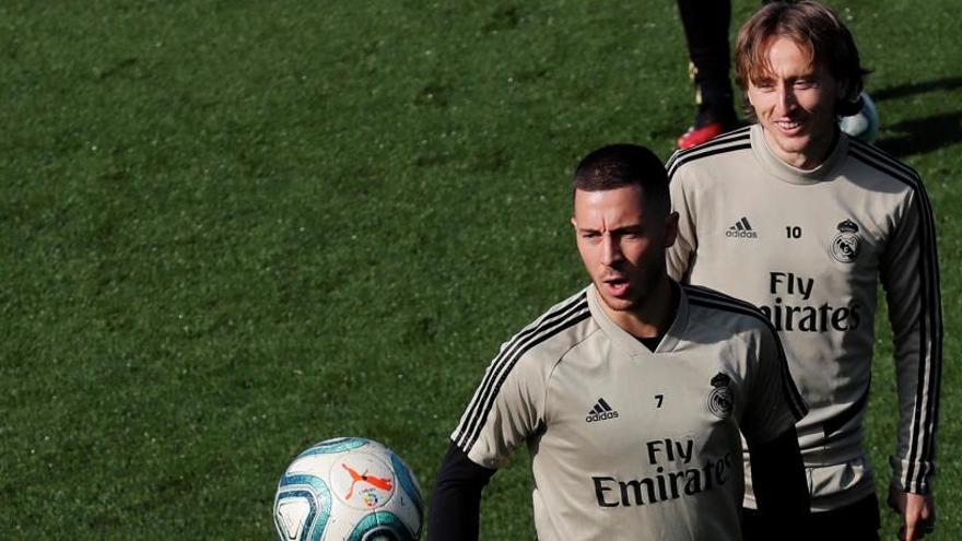 Hazard regresa a una convocatoria tras su lesión