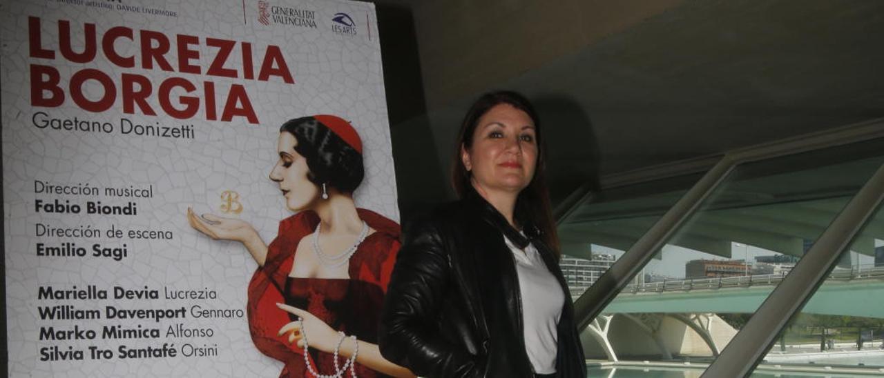 """Silvia Tro Santafé: """"El teatro de ópera perfecto no existe"""""""