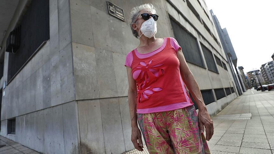 """Los vecinos, hartos de los cambios de nombre de las calles de Oviedo: """"Que no nos mareen"""""""
