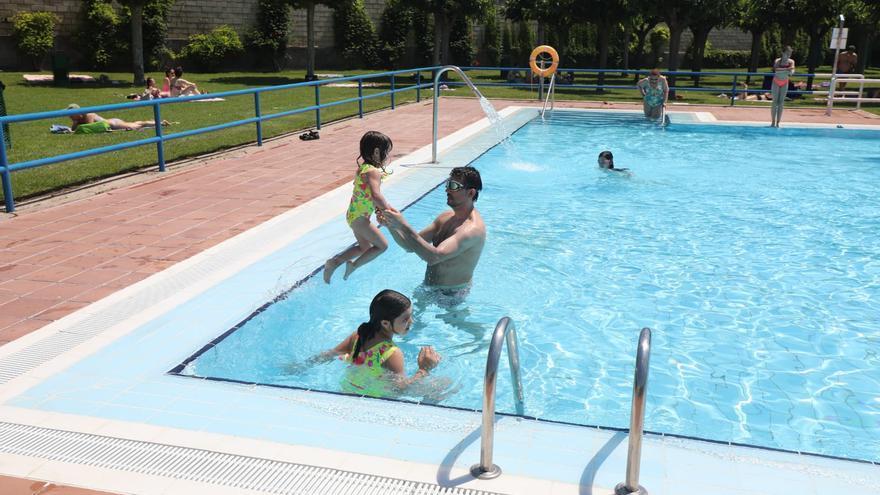 Las piscinas de Zaragoza acogen a casi 26.500 usuarios en dos días