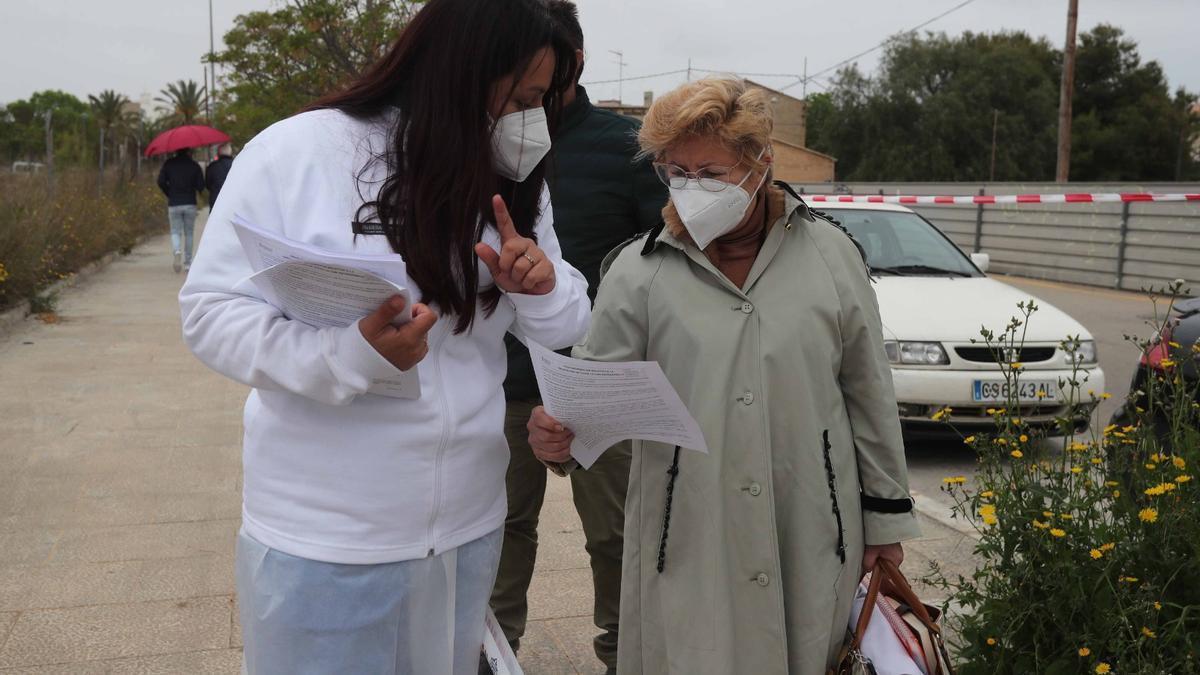 Vacuna en Valencia: cola en el hospital La Fe