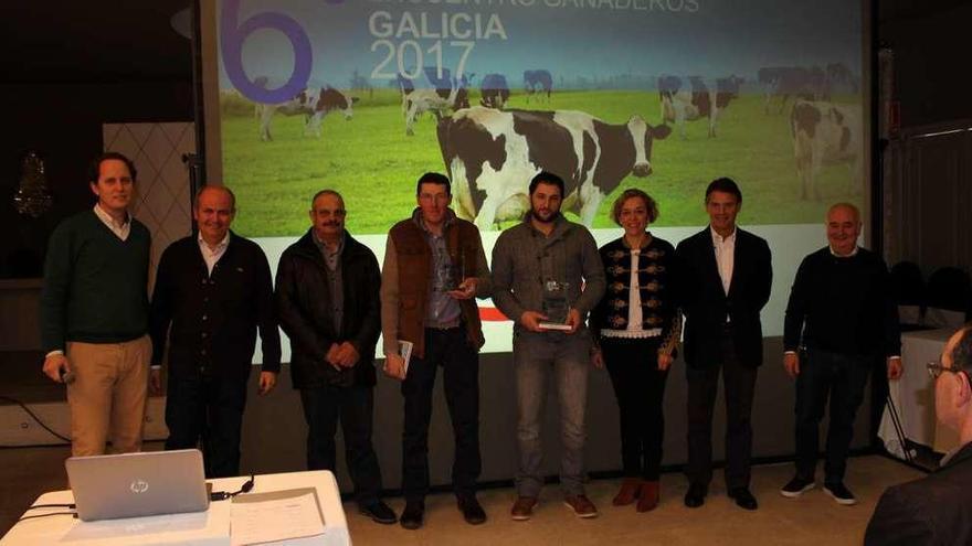 Danone distingue a un ganadero de Lalín por su modelo sostenible