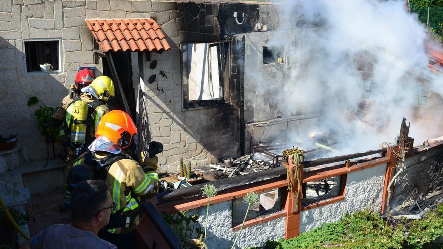"""Un incendio calcina el interior de un """"galpón"""" vacacional en Vilanova"""