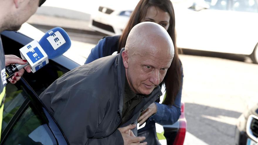 Arranca el juicio a Paco Sanz, el hombre de los 2.000 tumores que estafó a famosos