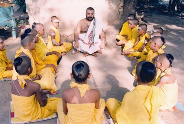 India - La tradicion del canto védico. Poesía, rituales, mitos y filosofía.