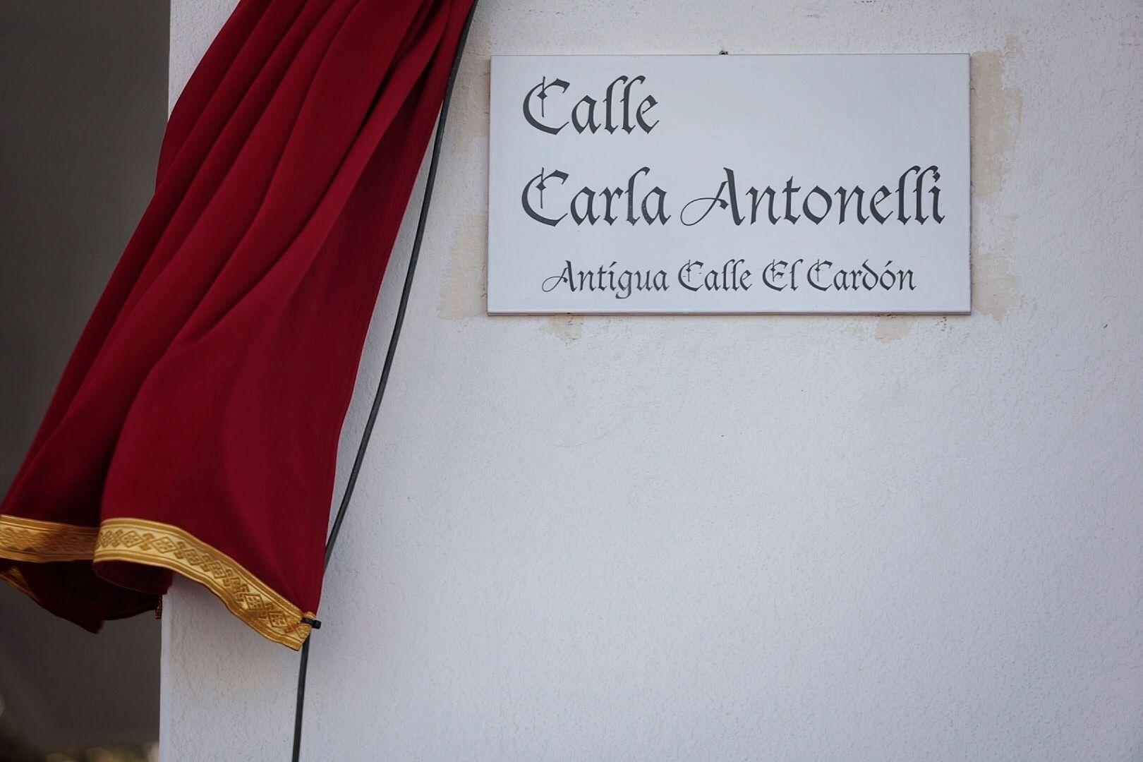 Rotulación de la calle Carla Antonelli