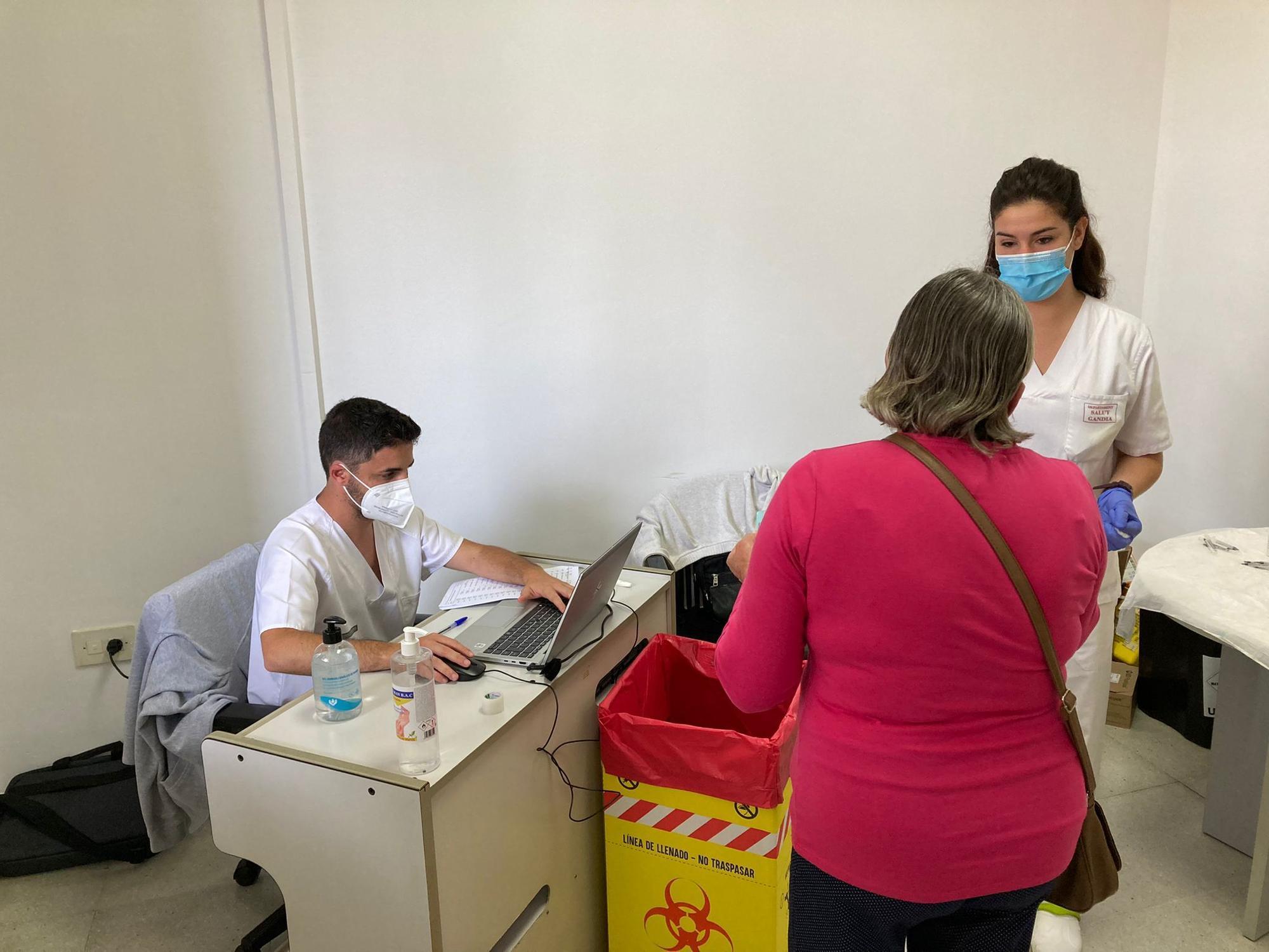 Los seis puntos de vacunación de la Safor ya están en marcha