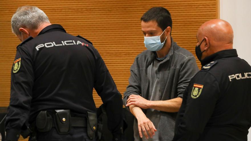El fiscal rebaja a 23 años y medio la petición de condena del parricida de Alcaravaneras