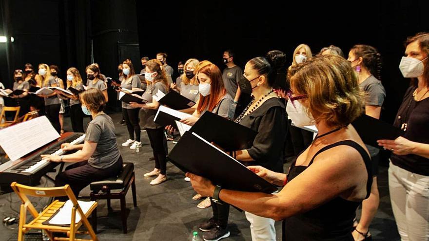 """""""Siero Musical"""" reconoce a los nuevos directores de coros"""