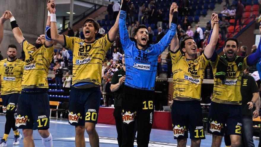 Xoán Ledo y Víctor Rodríguez, con la selección