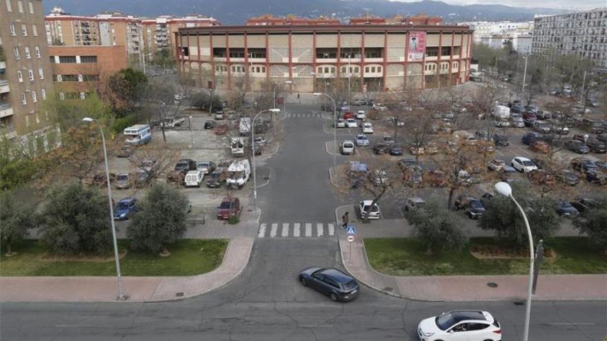 El Ayuntamiento se reunirá con vecinos y comerciantes para recuperar el Plan de Aparcamientos