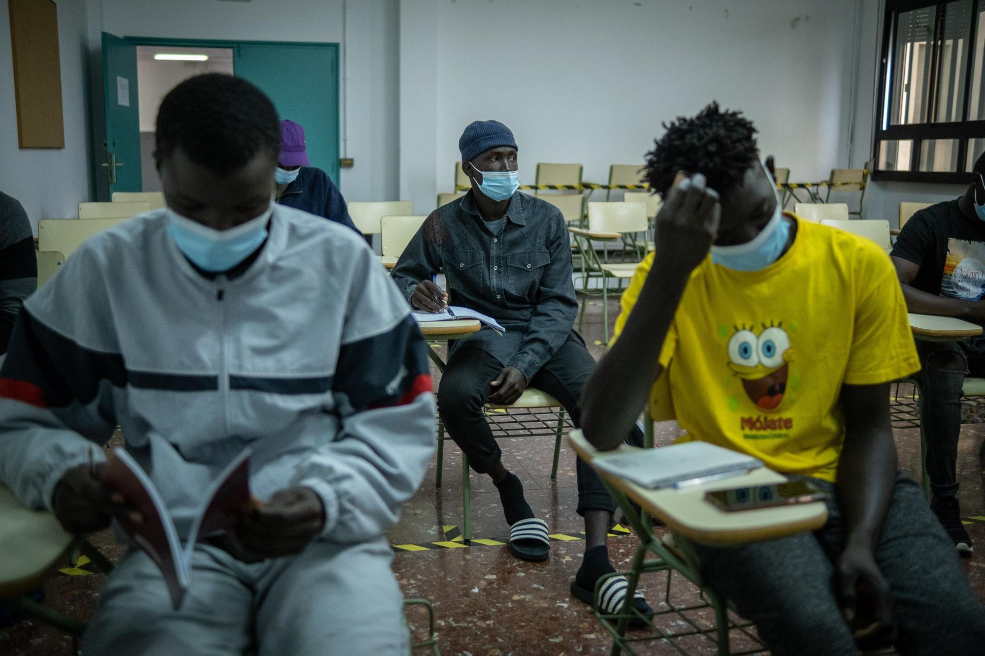 Clases para migrantes en la ULL