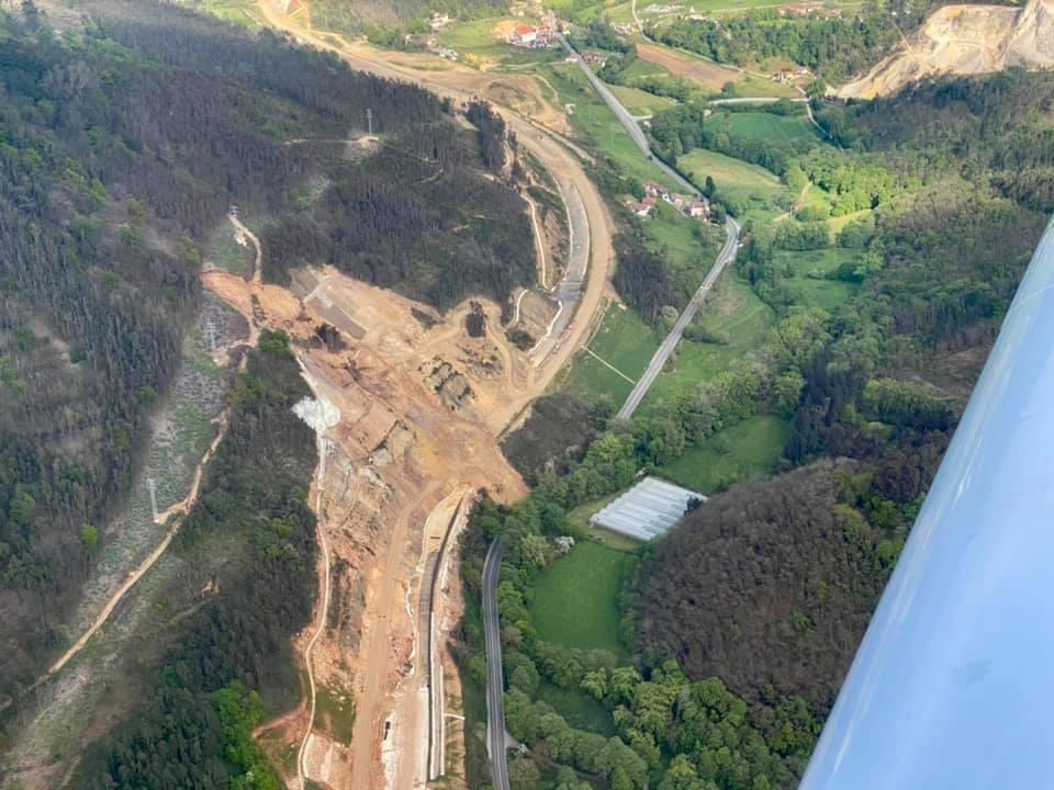 El gran argayo de Salas, visto desde el aire