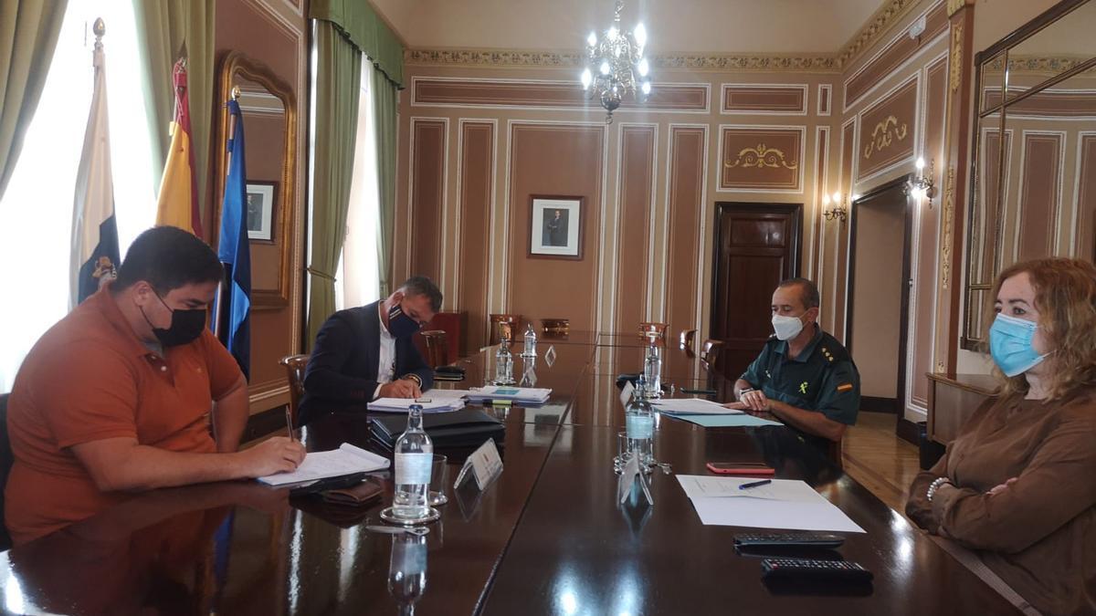 Reunión de seguridad de la subdelegada del Gobierno en Las Palmas con el Consistorio moganero