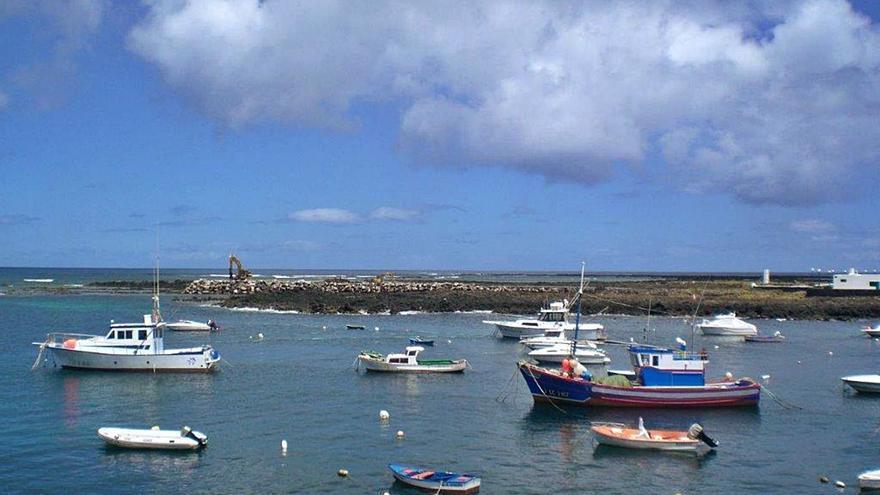 Dos pequeñas navieras llevaron a 50.422 viajeros a La Graciosa a finales de 2020